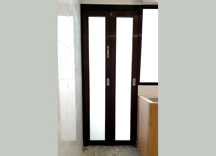 Bi-Fold-Door