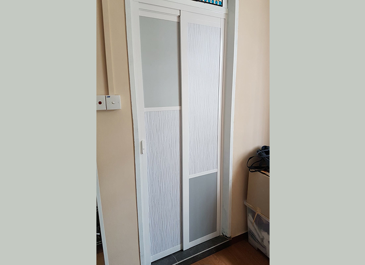 SLIDE-AND-SWING-DOOR